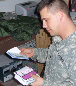 Troops_with_cards_3_2