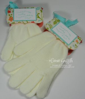 Gloves with topper